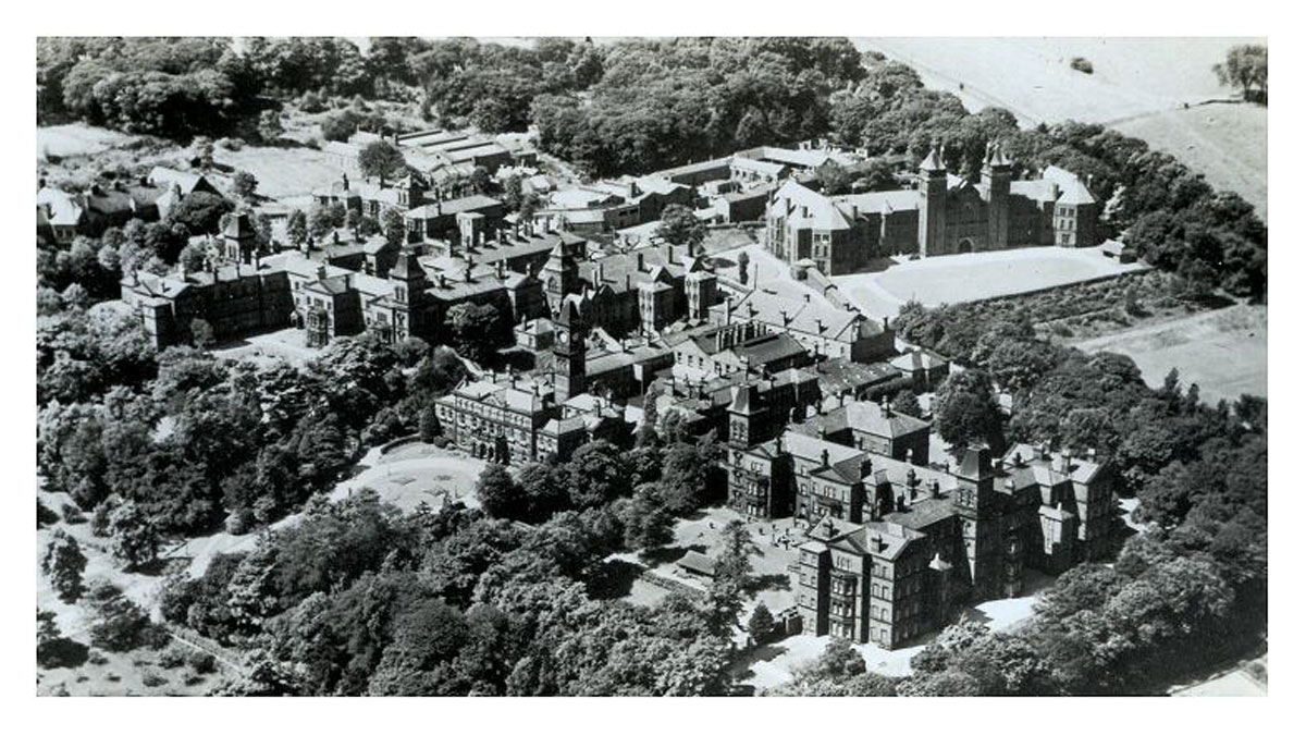 Aerial view of the South Yorkshire Asylum, probably taken in the 1920s. Click to enlarge.